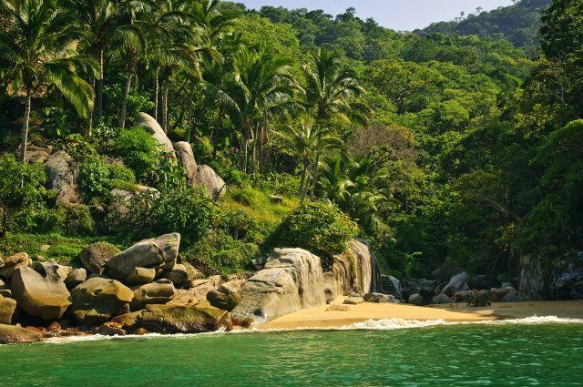 Entre playas virgenes y pintorescos poblados, descubre Costalegre