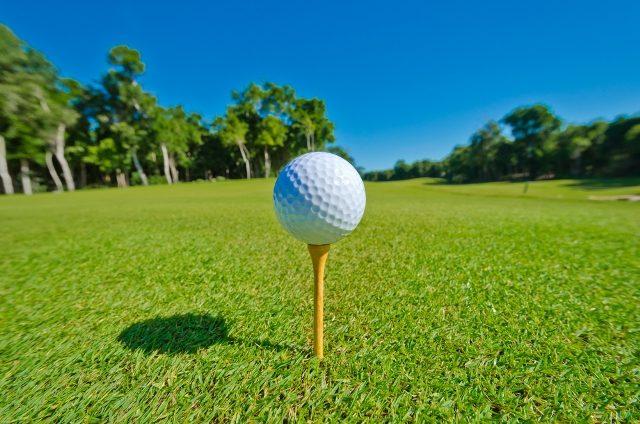 Practica tu swing de golf en Nuevo Vallarta