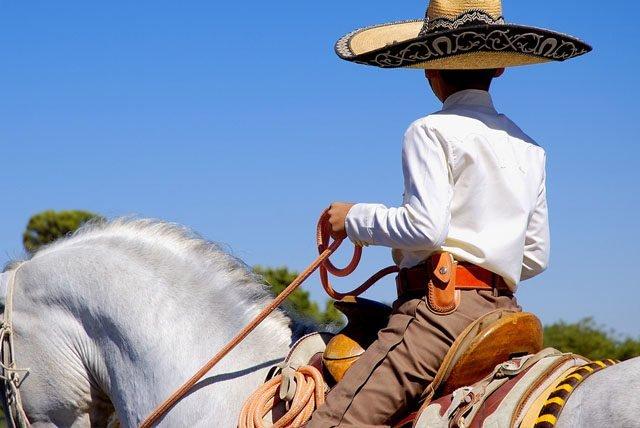 Charrería y mariachis, tradiciones de Jalisco para disfrutar en Vallarta