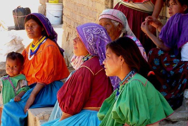 Huicholes, coras, tepehuanos y mexicaneros, ¡descubre las raices indigenas de Nayarit!