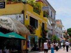Enjoy the Fifth Avenue in Playa del Carmen