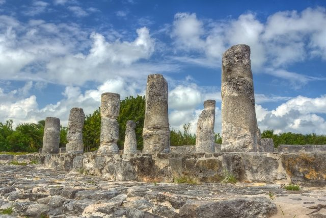 Visit mayan ruins El Rey and explore an historical beauty