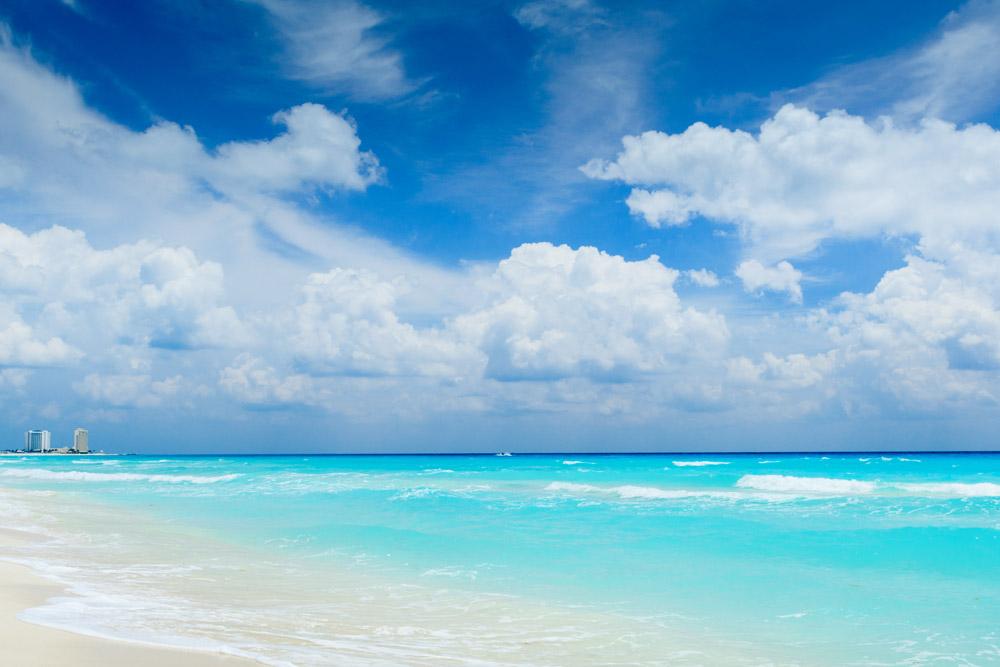Lectura en las playas de Cancún