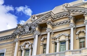 Palacio Canton, un museo rodeado de majestuosidad y reliquias mayas